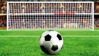 আমেরিকায় ফিরল ফুটবল
