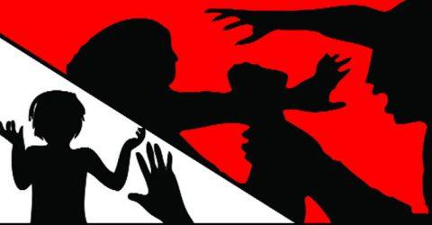 আদমদীঘিতে ইউএনও'র দুই নিরাপত্তা গার্ড এবং এক সাংবাদিকের বিরুদ্ধে চাঁদাবাজি ও মারপিটের অভিযোগ