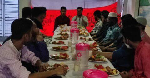 রোটার্যাক্ট ক্লাব অব আরবান নওয়াপাড়ার ক্লাব ইফতার ও দোয়া মাহফিল অনুষ্ঠিত